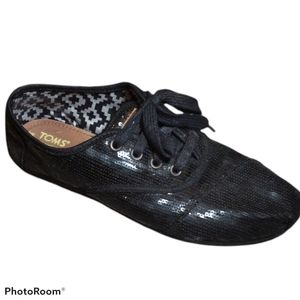 TOMS Black Sequin Lace up Sneakers 7.5